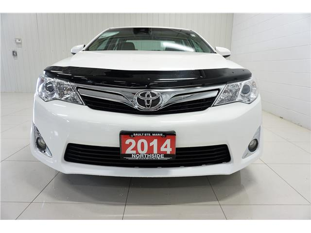2014 Toyota Camry XLE V6 (Stk: G19001A) in Sault Ste. Marie - Image 2 of 23
