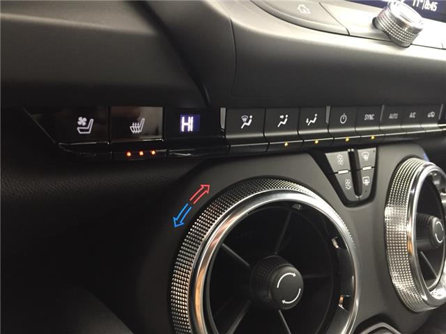 2019 Chevrolet Camaro 2SS (Stk: 175984) in AIRDRIE - Image 21 of 33