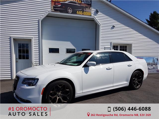 2018 Chrysler 300 S (Stk: 198) in Oromocto - Image 1 of 8