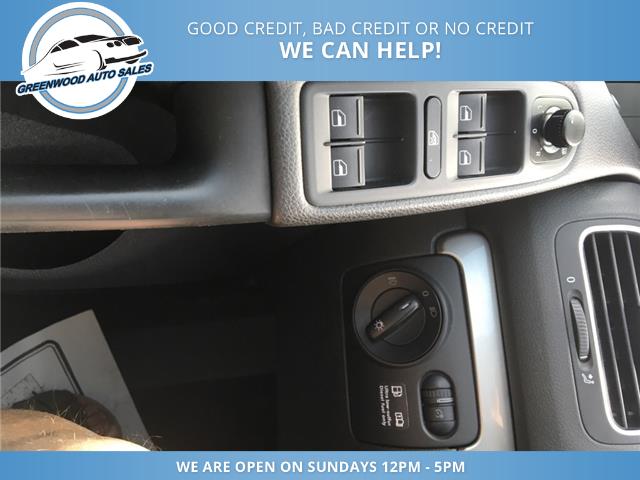 2012 Volkswagen Golf 2.0 TDI Comfortline (Stk: 12-23453) in Greenwood - Image 12 of 17