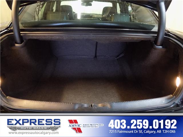 2018 Chrysler 300 S (Stk: P15-1149) in Calgary - Image 10 of 18