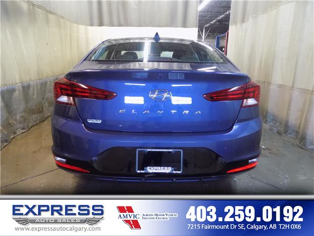 2019 Hyundai Elantra Preferred (Stk: P15-1152) in Calgary - Image 5 of 20