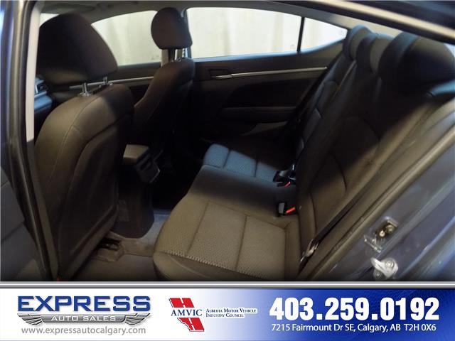 2019 Hyundai Elantra Preferred (Stk: P15-1152) in Calgary - Image 11 of 20