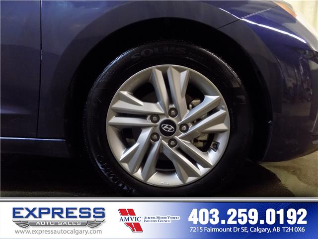 2019 Hyundai Elantra Preferred (Stk: P15-1152) in Calgary - Image 8 of 20
