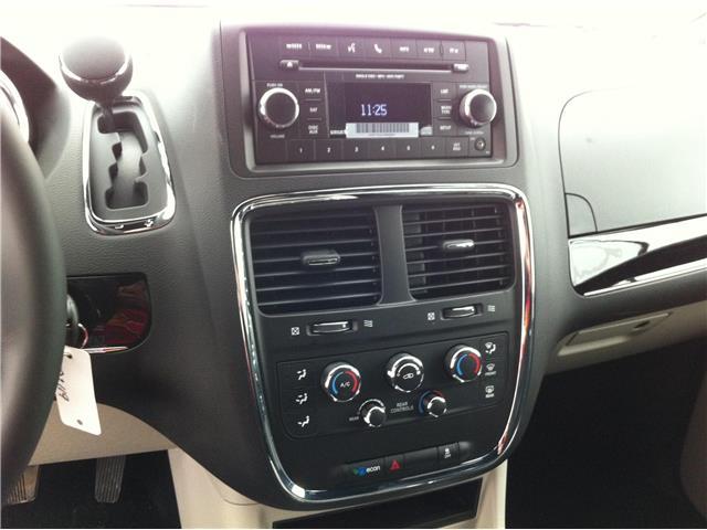 2018 Dodge Grand Caravan CVP/SXT (Stk: U180085) in Ottawa - Image 18 of 22
