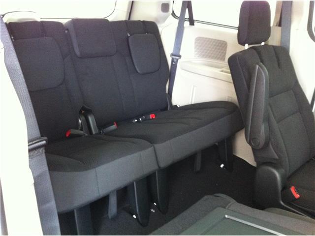 2018 Dodge Grand Caravan CVP/SXT (Stk: U180446) in Ottawa - Image 13 of 26