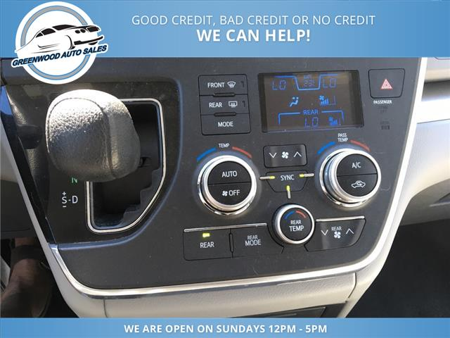2016 Toyota Sienna LE 7 Passenger (Stk: 16-30329) in Greenwood - Image 14 of 19