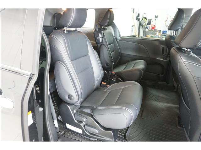 2019 Toyota Sienna SE 8-Passenger (Stk: M19178A) in Sault Ste. Marie - Image 12 of 22