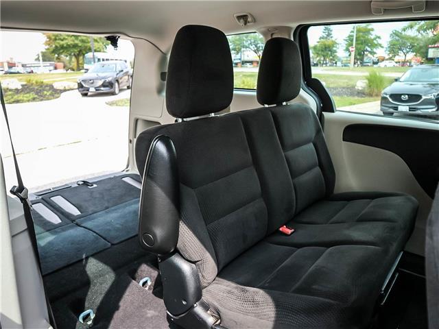 2016 Dodge Grand Caravan SE/SXT (Stk: 19-1525A) in Ajax - Image 18 of 23