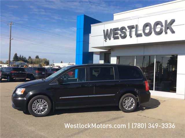 2016 Chrysler Town & Country Touring-L (Stk: T1920A) in Westlock - Image 2 of 14