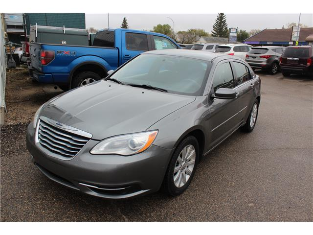 2013 Chrysler 200 LX (Stk: CBK2841) in Regina - Image 2 of 14