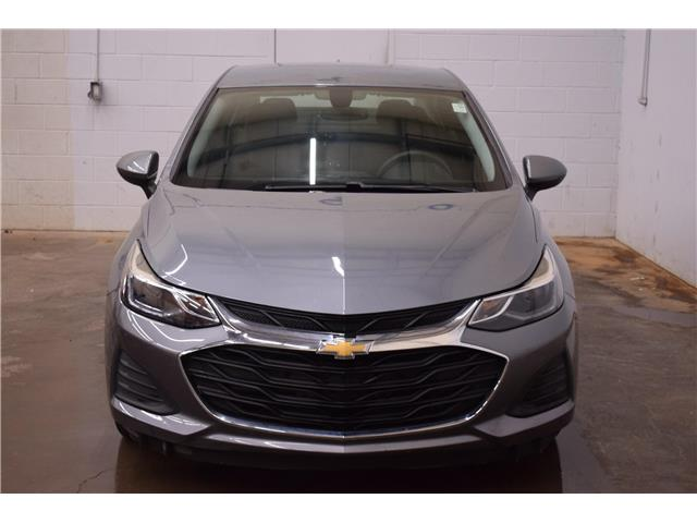 2019 Chevrolet Cruze LT (Stk: B4649) in Kingston - Image 2 of 29