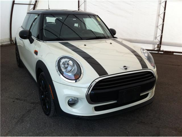 2017 MINI 3 Door Cooper (Stk: 190284A) in Ottawa - Image 1 of 25