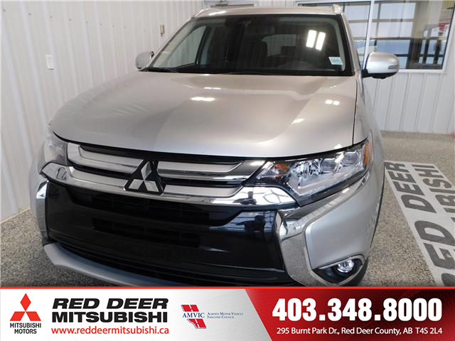 2018 Mitsubishi Outlander GT (Stk: T197932A) in Red Deer County - Image 2 of 20