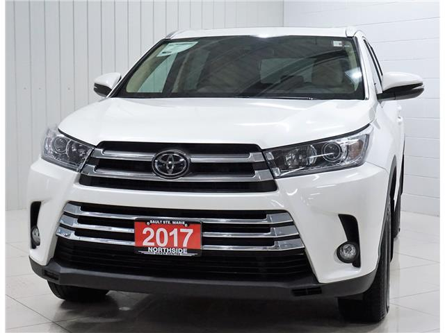 2017 Toyota Highlander XLE (Stk: P5583) in Sault Ste. Marie - Image 1 of 27