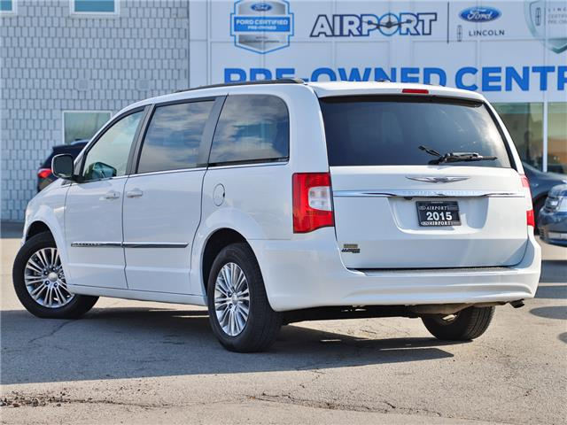 2015 Chrysler Town & Country Touring-L (Stk: A90713) in Hamilton - Image 2 of 23