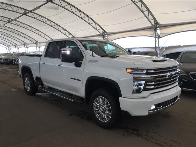 2020 Chevrolet Silverado 3500HD High Country (Stk: 179145) in AIRDRIE - Image 1 of 45