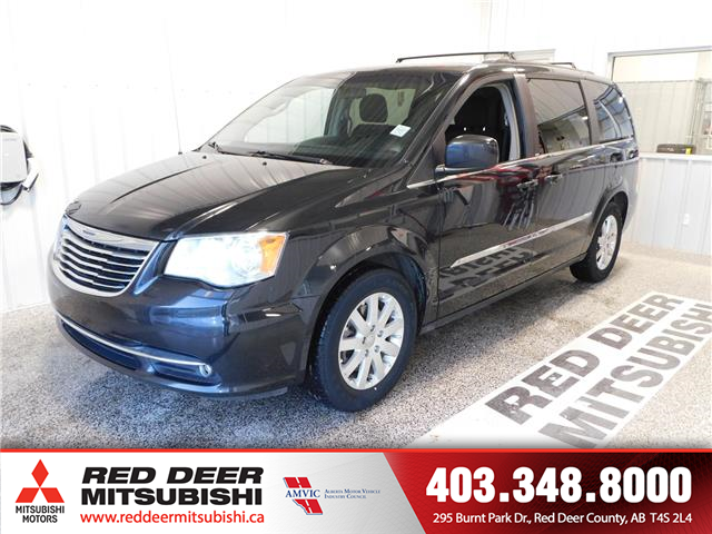 2014 Chrysler Town & Country Touring (Stk: P8615A) in Red Deer County - Image 1 of 14
