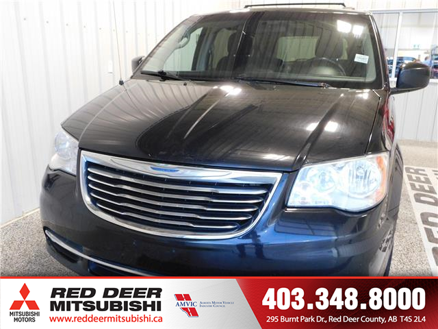 2014 Chrysler Town & Country Touring (Stk: P8615A) in Red Deer County - Image 2 of 14