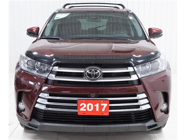 2017 Toyota Highlander Limited (Stk: V19358A) in Sault Ste. Marie - Image 2 of 25
