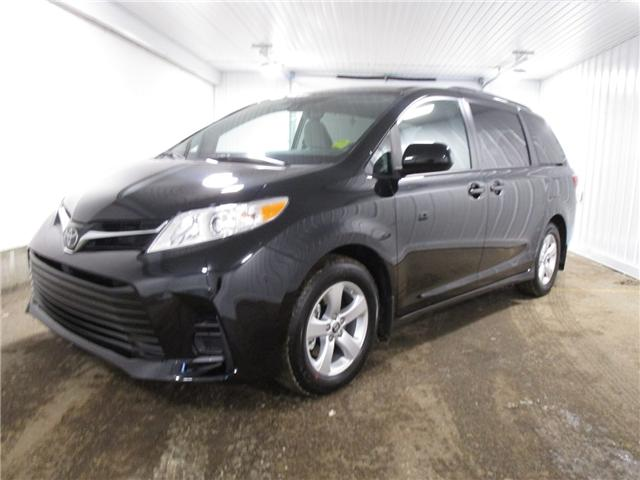 2019 Toyota Sienna LE 8-Passenger (Stk: 193119) in Regina - Image 1 of 19