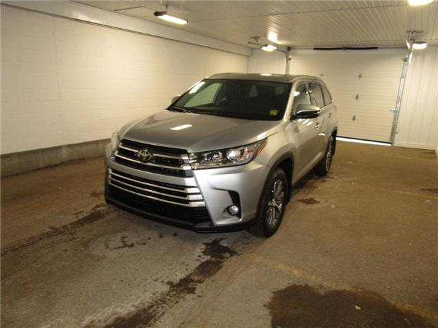 2019 Toyota Highlander XLE (Stk: 193122) in Regina - Image 1 of 37