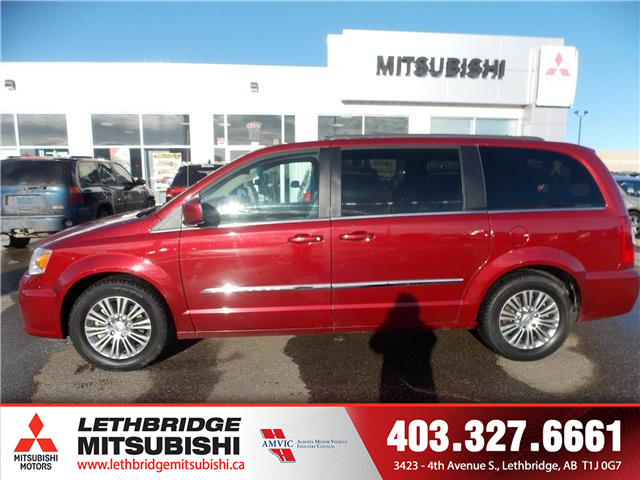 2015 Chrysler Town & Country Touring (Stk: P3878A) in Lethbridge - Image 2 of 14