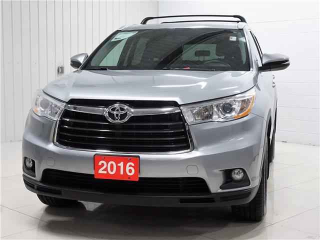 2016 Toyota Highlander XLE (Stk: P5645) in Sault Ste. Marie - Image 1 of 25
