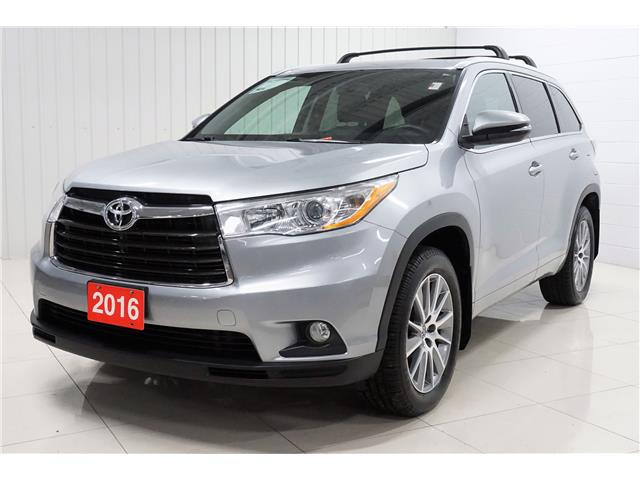2016 Toyota Highlander XLE (Stk: P5645) in Sault Ste. Marie - Image 2 of 25
