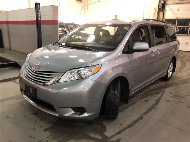 2015 Toyota Sienna LE (Stk: 310831) in Aurora - Image 1 of 15