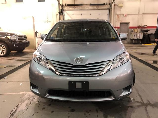 2015 Toyota Sienna LE (Stk: 310831) in Aurora - Image 2 of 18
