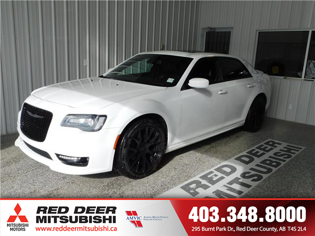 2017 Chrysler 300 S (Stk: L8767) in Red Deer County - Image 1 of 15