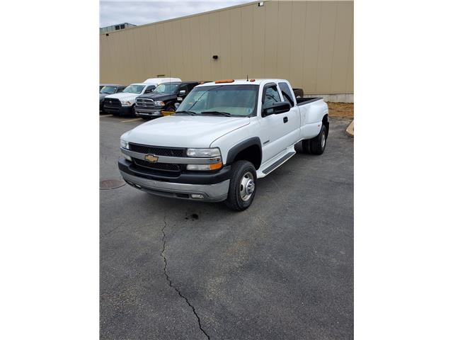 2002 Chevrolet Silverado 3500 LT Ext. Cab 2WD (Stk: p19-035) in Dartmouth - Image 1 of 14