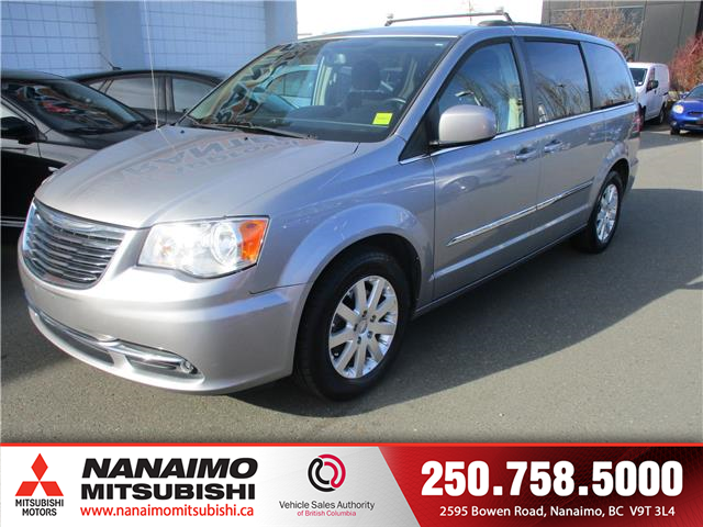 2015 Chrysler Town & Country Touring (Stk: LP1758B) in Nanaimo - Image 1 of 11