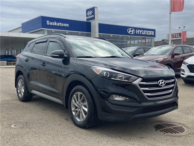 2017 Hyundai Tucson SE (Stk: B7590) in Saskatoon - Image 1 of 17