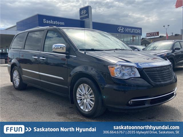 2014 Chrysler Town & Country Limited (Stk: W40314A) in Saskatoon - Image 1 of 18