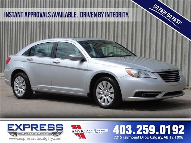 2012 Chrysler 200 Limited (Stk: P15-1204AA) in Calgary - Image 1 of 20