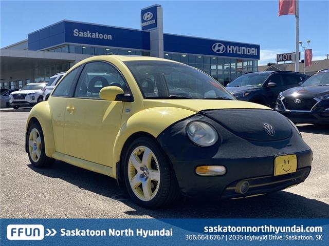 2001 Volkswagen New Beetle Sport Edition (Stk: W40101A) in Saskatoon - Image 1 of 15