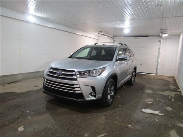 2019 Toyota Highlander Hybrid  (Stk: F171889) in Regina - Image 1 of 40