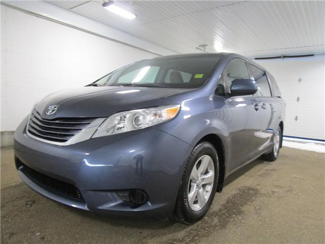2017 Toyota Sienna LE 8 Passenger (Stk: 1931991 ) in Regina - Image 1 of 22