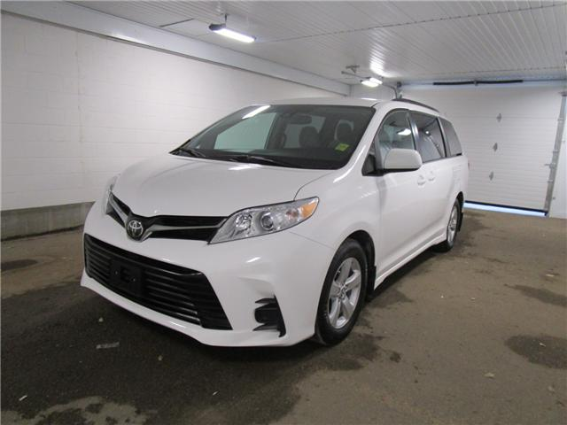 2019 Toyota Sienna LE 8-Passenger (Stk: F170628 ) in Regina - Image 1 of 32
