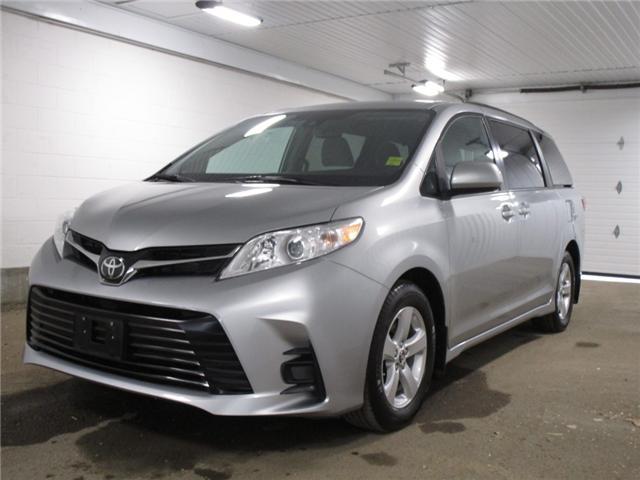 2019 Toyota Sienna 7-Passenger (Stk: F170625) in Regina - Image 1 of 37