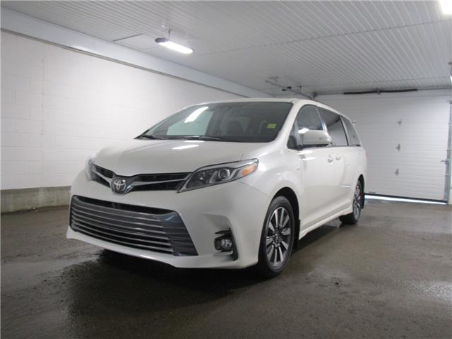 2018 Toyota Sienna XLE 7-Passenger (Stk: 127145) in Regina - Image 1 of 36