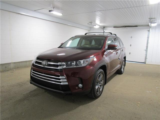 2017 Toyota Highlander Limited (Stk: 2036491) in Regina - Image 1 of 40