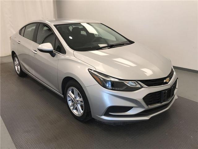 2017 Chevrolet Cruze LT Auto (Stk: 194981) in Lethbridge - Image 1 of 19