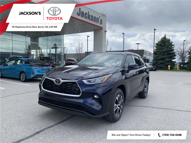 2021 Toyota Highlander XLE (Stk: 10061A) in Barrie - Image 1 of 12