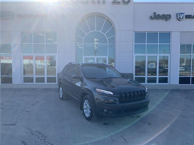 2017 Jeep Cherokee North (Stk: 41018A) in Humboldt - Image 1 of 22