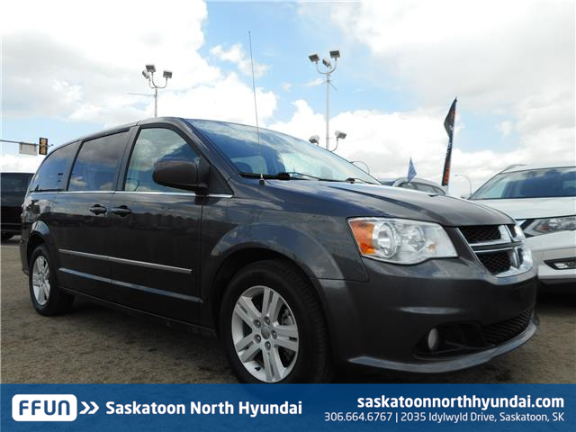2016 Dodge Grand Caravan Crew (Stk: 50365A) in Saskatoon - Image 1 of 9