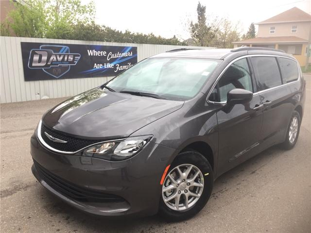 2017 Chrysler Pacifica LX (Stk: 10640) in Fort Macleod - Image 1 of 20