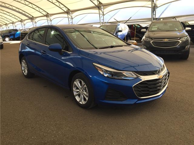 2019 Chevrolet Cruze LT 3G1BE6SM6KS534606 169036 in AIRDRIE